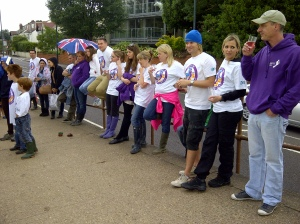 Volunteers for the SAS - Thames21 clean up in Barnes