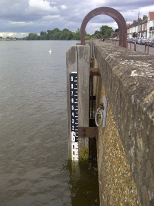 High Tide on tidal Thames